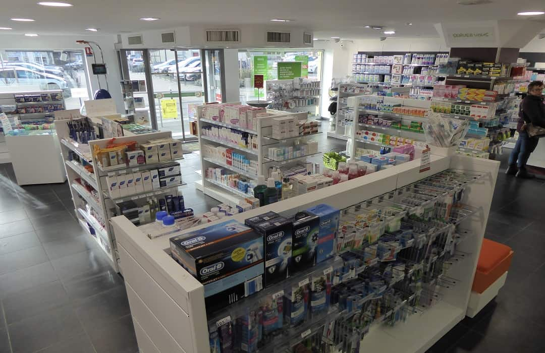 Pharmacy Gondolas and wall bays